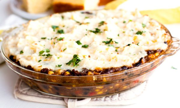 Shepherd's Pie is an easy, weeknight dinner that's great for when the weather turns cool and crisp. I added a southwest twist to this classic dish that your family will love!