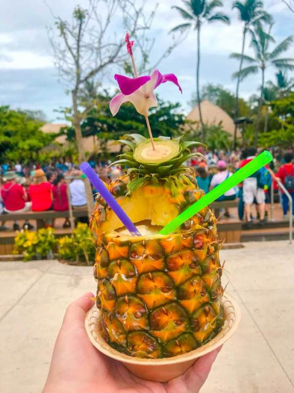Pineapple Smoothie in Paradise
