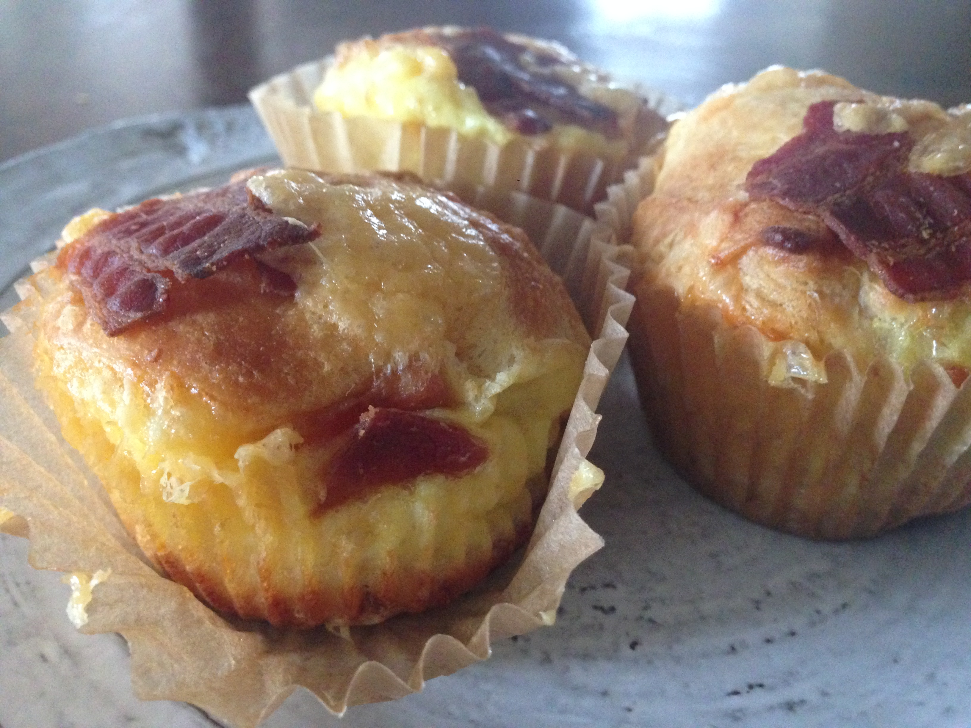 ((Individual)) Puffy Cheesy Egg & Bacon Casseroles ((muffins))