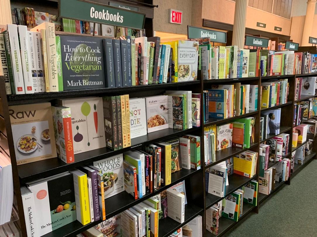 comfrt books wide angle