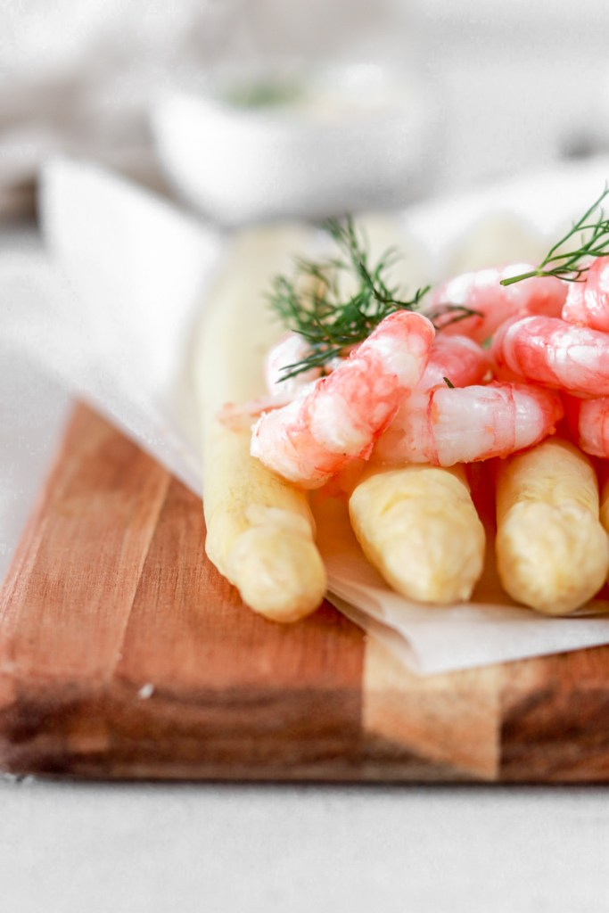 White Asparagus with Shrimps (Gluten, Grain, Oil Free & Low Carb) From Front Close Up