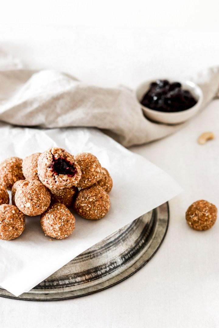 Berry Filled Bliss Balls (Vegan, Gluten & Sugar Free)