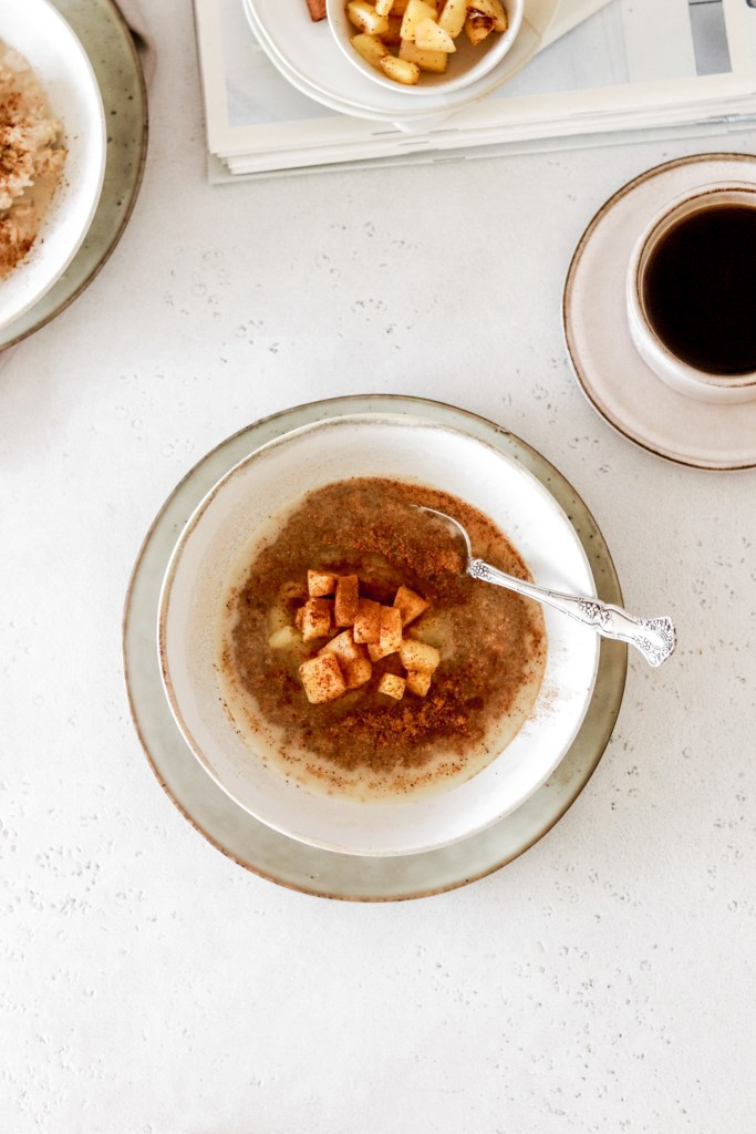 Amaranth porridge with apple sauce, cinnamon fried apples from above