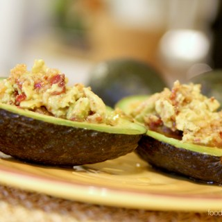 Bacon and avocado...Two ingredients that make just about any recipe more delicious. So it's no wonder that bacon stuffed avocados are to-die-for amazing!