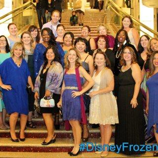 Walking the FROZEN Premiere White Carpet! #DisneyFrozenEvent
