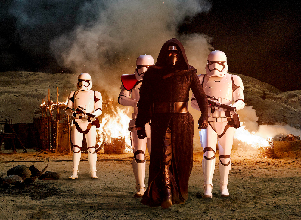 Star Wars: The Force Awakens - Kylo Ren with Stormtroopers