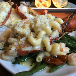 The Perfect Place for a Date Night #LobsterWorthy