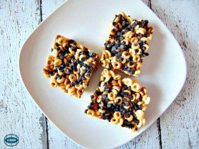 httpwww.morethanamomofthree.com20150817peanut-butter-cheerios-marshmallow- treat