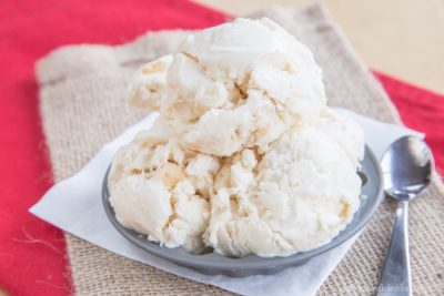 caramel-apple-cheesecake-no-churn-ice-cream-recipe-3652-700x467