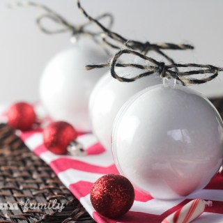 DIY Peppermint Bath Bomb Ornaments from Food Fun Family - a fun homemade bath and beauty product that is perfect for Christmas gifts