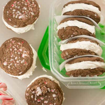 peppermint-marshmallow-cream-cookies09560-700x700