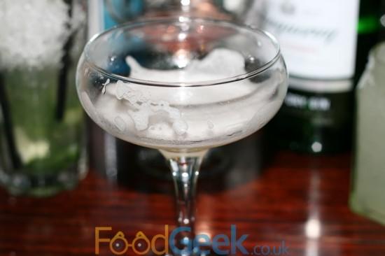 Bluebell Paris: Bombay Sapphire Gin & Elderflower