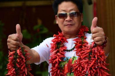 li-yongzhi-says-he-just-likes-eating-chillies