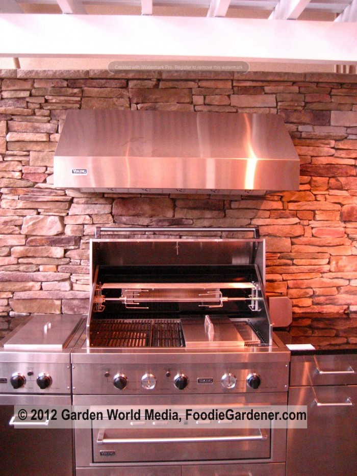 viking outdoor kitchen high end prefabricated modular stainless steel outdoor kitchen by viking on foodie gardeners five tips for creating functional outdoor kitchens the
