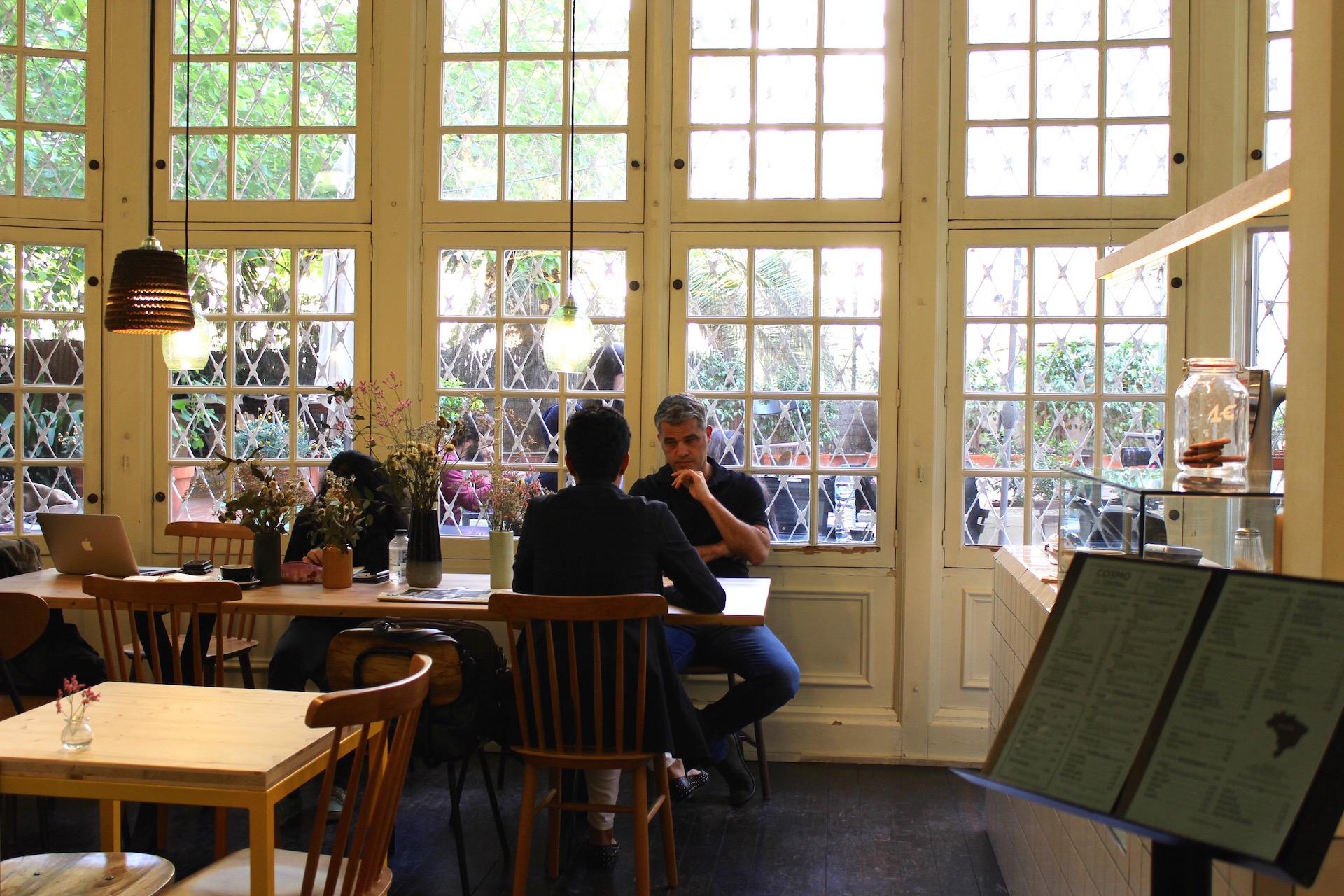 Tables El Café de la Central
