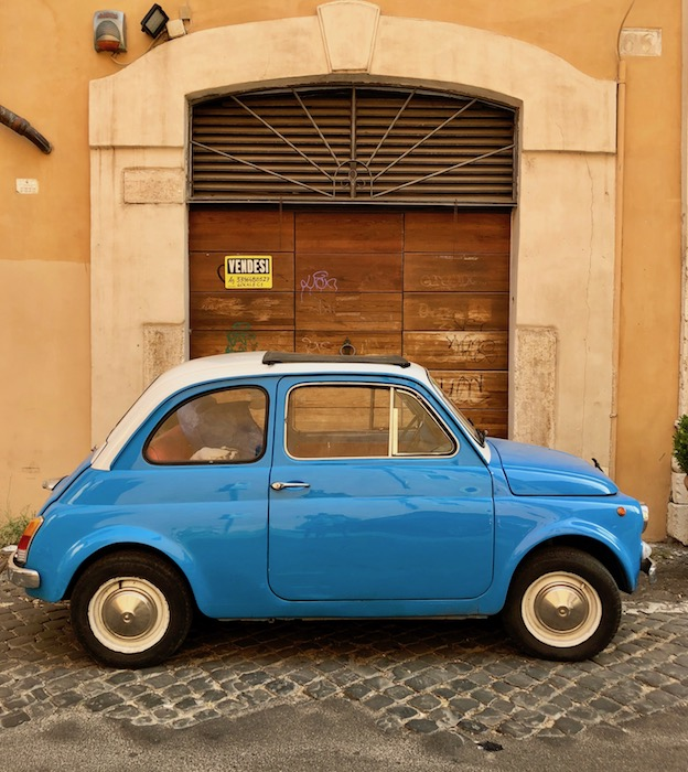 Little blue fiat 500 in Rome