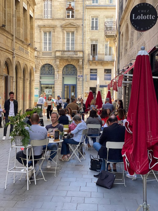 Sidewalk cafe culture in Bordeaux
