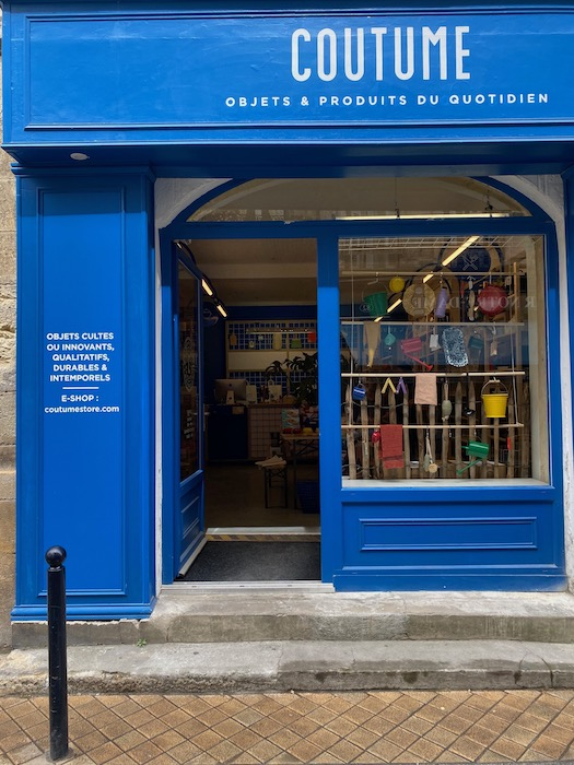 Blue shop front of Coutume