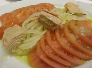 Tomato, Onion and Tuna Salad