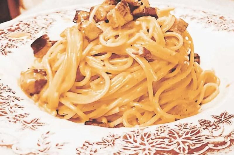Špageti Carbonara s hruskavom pancetom