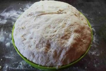 Kruh se diže radi kvasaca koji se hrane šećerima iz brašna odnosno ugljikohidrata