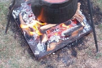 Dolazi zima pripremite čobanac, slavonski specijalite koji se sprema na polako od više vrsta mesa