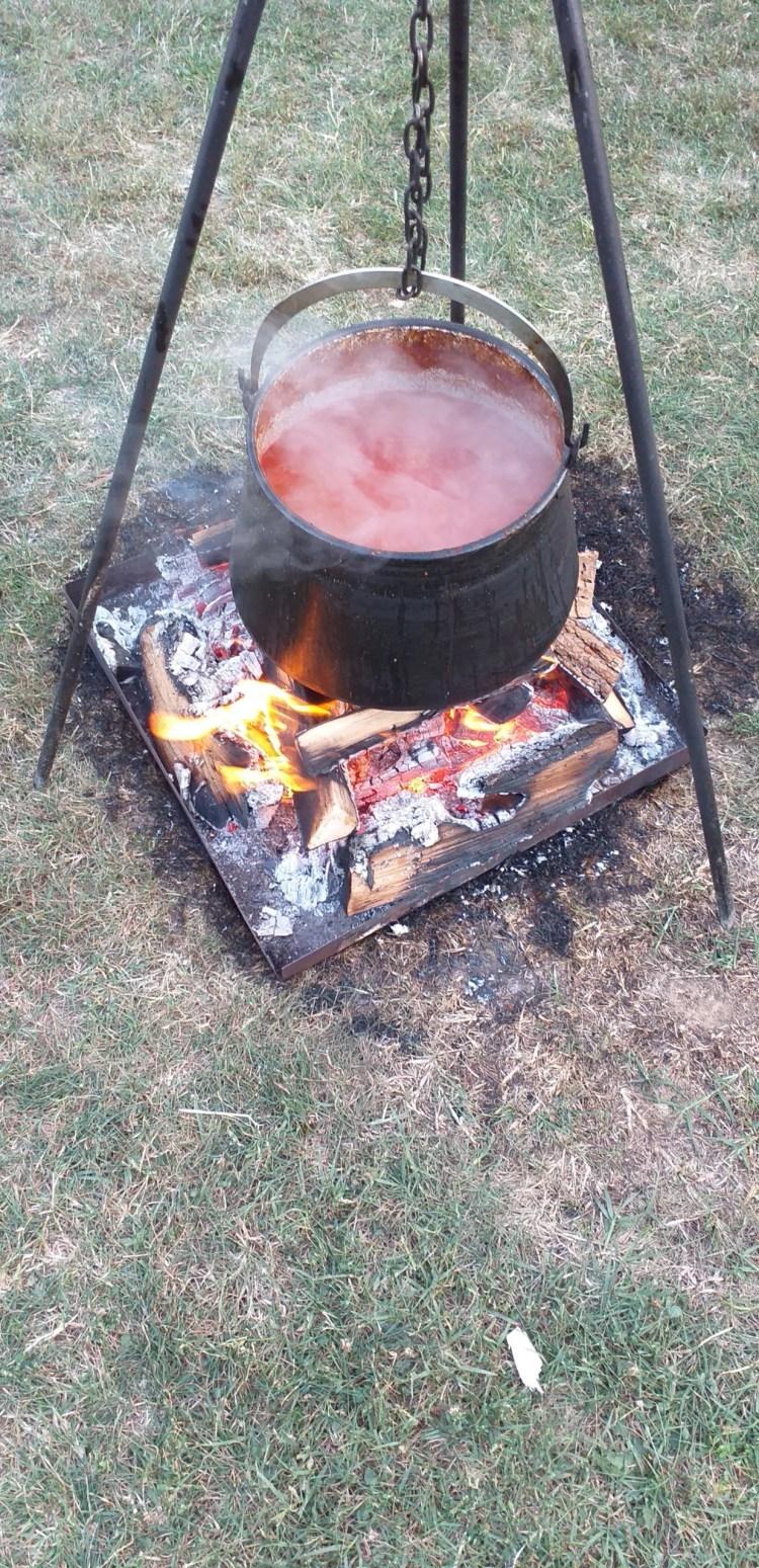 Dolazi zima - skuhajte čobanac, najbolje na otvorenoj vatri u kotliću