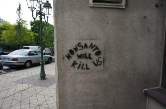 Stencil Graffiti near the high-end shops on Avenue Louise
