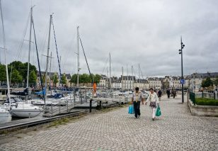 Returning from the Market, Vannes