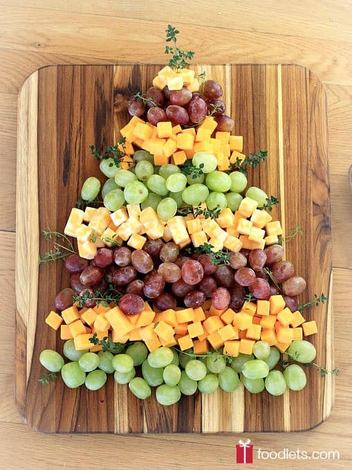 Christmas Tree Fruit.Christmas Tree Grapes Cheese Platter Foodlets
