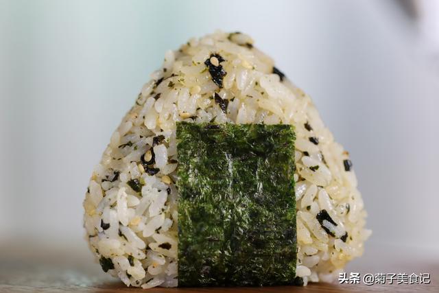 海苔饭团如何做得精致又好吃,掌握这两点