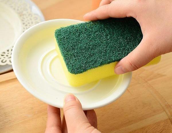 百洁布只用来清洁就浪费了,这4个用法解决家里不少麻烦事