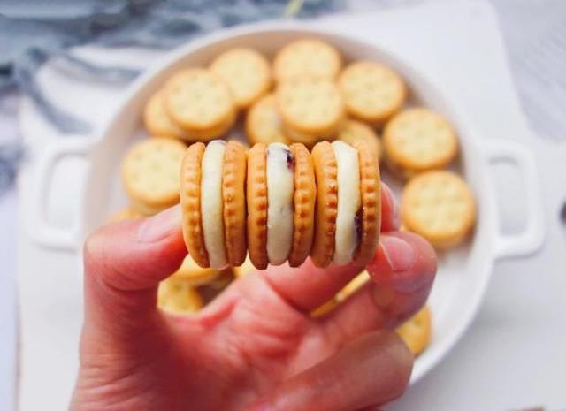 教你在家做会拉丝的网红牛扎饼干,甜而不腻