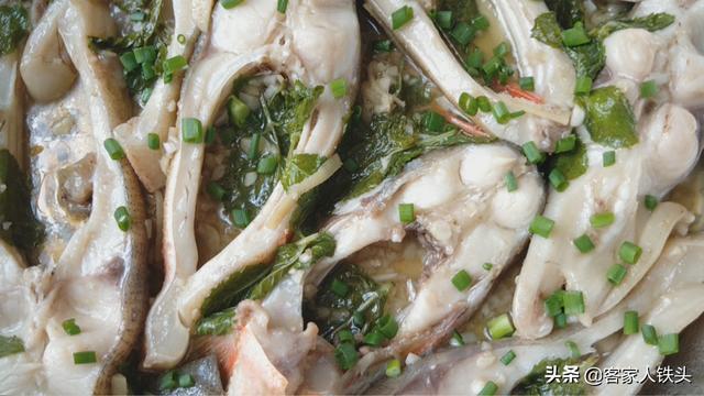 天热吃鱼别煎炸切一切搅一搅,7分钟出锅