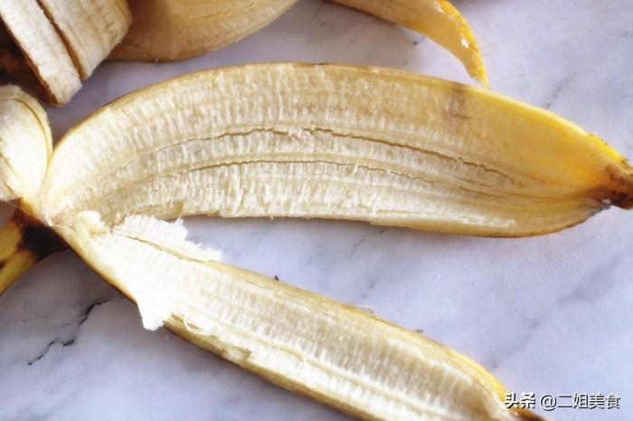 香蕉皮是好寶貝別再扔掉了,教您香蕉皮的3個用法