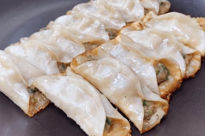 做鍋貼有人用澱粉,教你正確做法個個酥脆好吃不膩