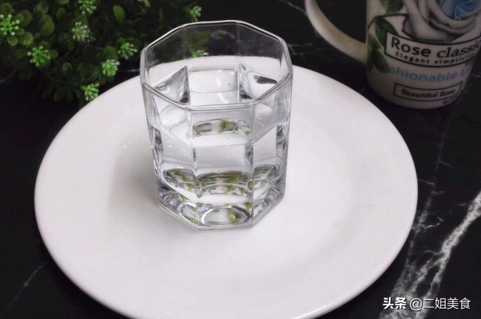 每天都要喝水,我們要牢記幾個喝水的最佳時間