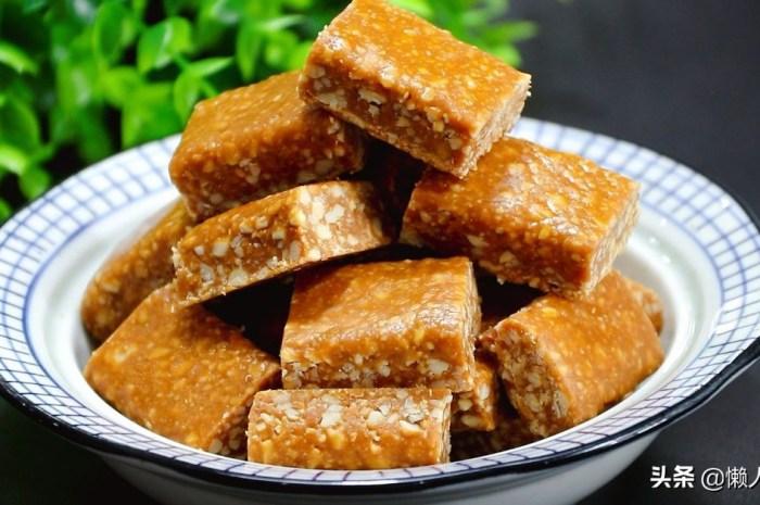 花生米不加一滴水,撒點白糖熬一下比油炸得更好吃