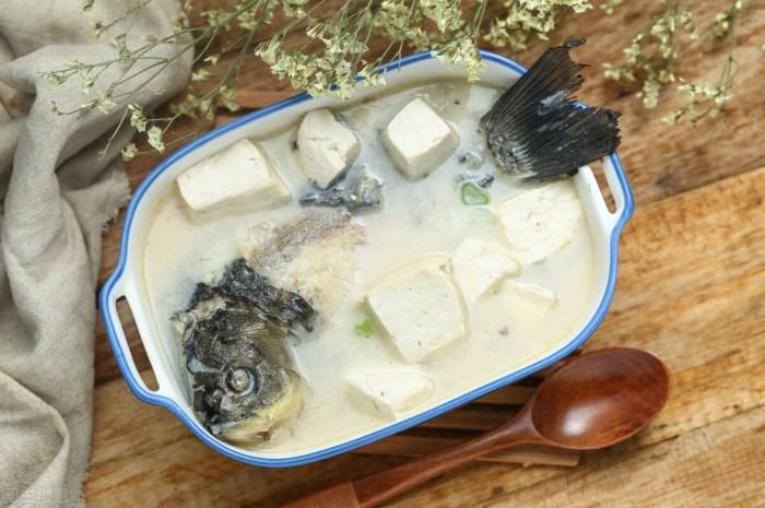 燉魚湯時別直接下鍋多加1步,魚湯香醇奶白還沒有腥味