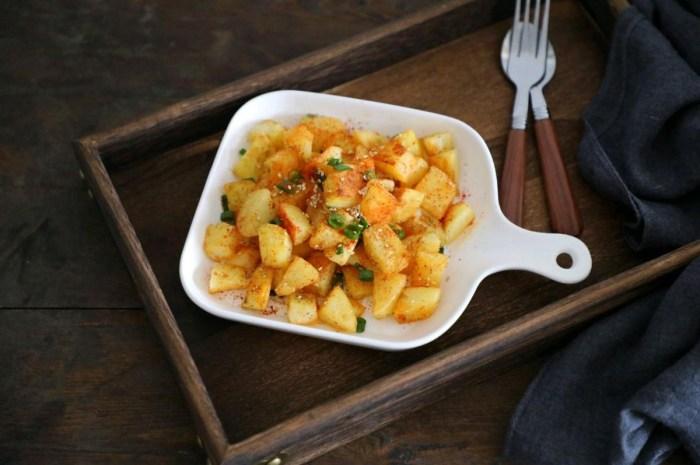 简单易做的香煎小土豆,风味独特,5碗米饭不够吃