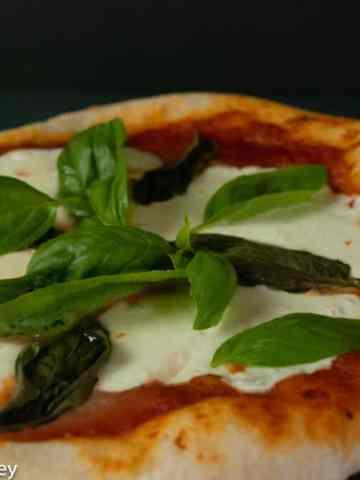 Easy Margherita Pizza Recipe