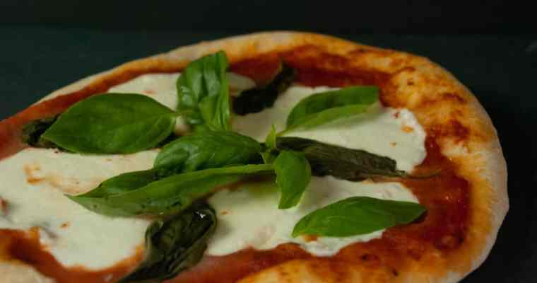 How to make the best Margherita Pizza at home – Easy recipe