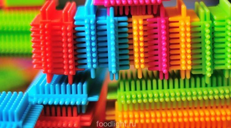 Игольчатый конструктор Bristle Blocks от Battat graphic