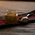 Витаминная смесь-грецкие орехи, лимон, курага, чернослив, изюм, мед.