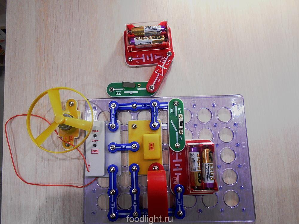 """Электронный конструктор """"Знаток. Первые шаги в электронике. Набор С"""""""