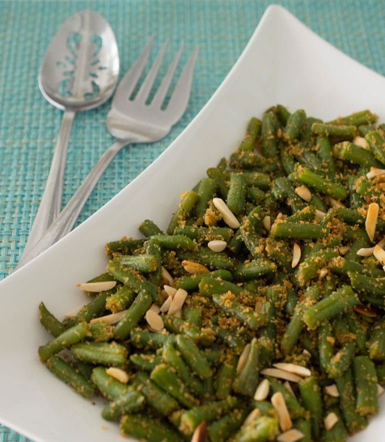 Green Beans with Breadcrumbs, Almonds and Garlic