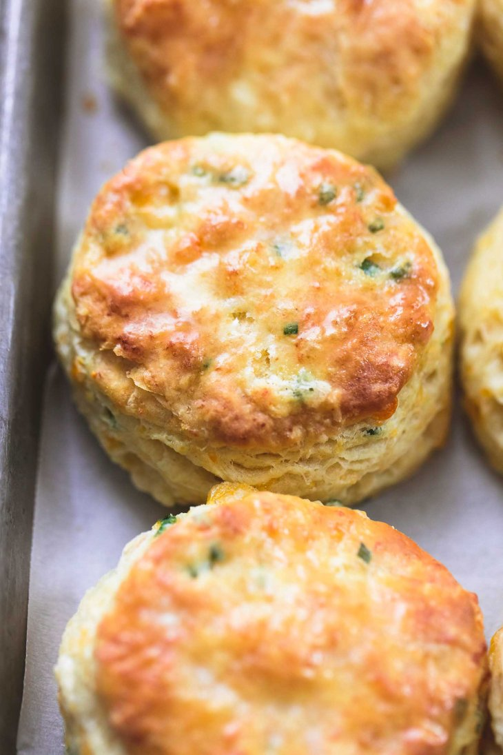 flaky-buttermilk-biscuits-two-ways-3
