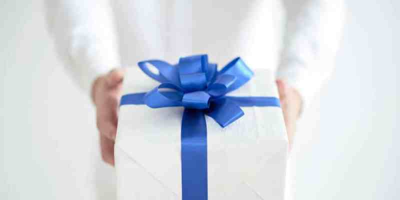 send cakes and gifts to Pakistan