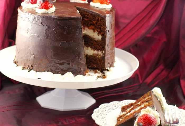 Red Wine Strawberry Chocolate Fudge Cake Food Meanderings