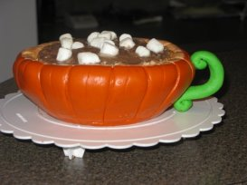 pumpkin-mug-of-hot-chocolate-cake